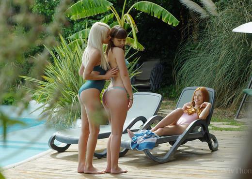 Michelle H, Zoe Doll - Service - Viv Thomas - Lesbian Nude Pics