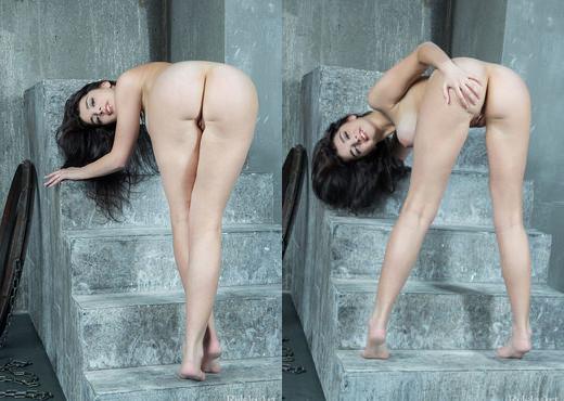 Evita Lima - Escala - Rylsky Art - Solo Porn Gallery