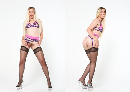 Niki Snow - Bush League #07 - Devil's Film - Hardcore Nude Pics