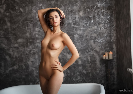 Presenting Madeline B - Erotic Beauty - Solo Nude Gallery