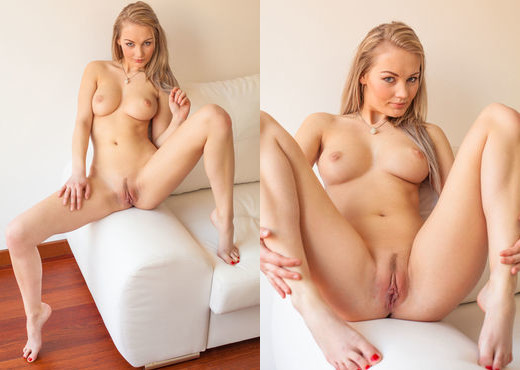 Lynne - Errotica Archives - Solo Nude Gallery