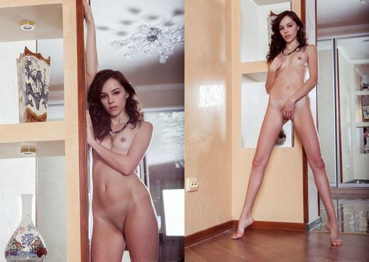 Loreleya - Divinity - Viv Thomas - Solo Porn Gallery