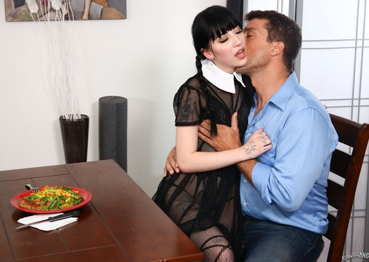 A Very Adult Wednesday Addams - Dinner With New-Daddy - Anal Nude Gallery
