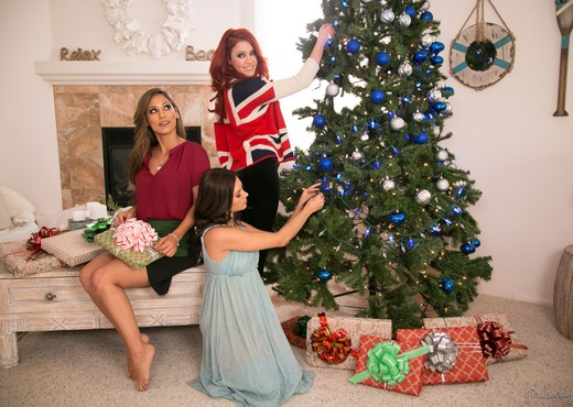 Christmas Spirit: Part Three - Girlsway - Lesbian Nude Pics
