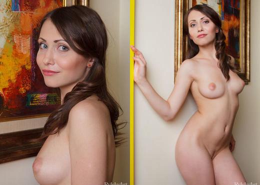 Ynesse - Loewelli - Rylsky Art - Solo Sexy Gallery