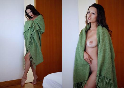 Gloria Sol - Sliden - Sex Art - Solo Nude Pics