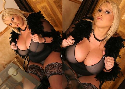 Laura M masturbate in Stockings Black - My Boobs - Boobs Nude Pics