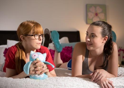 Penny Pax, Casey Calvert - Little College Lesbians - Lesbian Porn Gallery