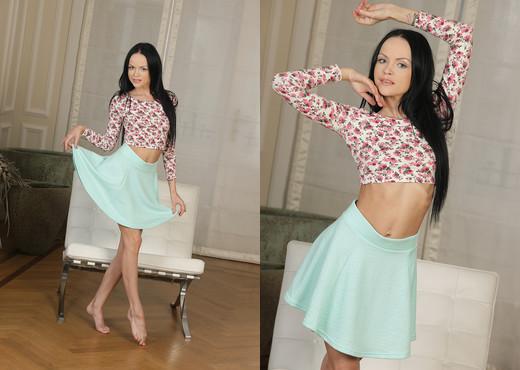 Teen Dreams - Angelina - Teen HD Gallery