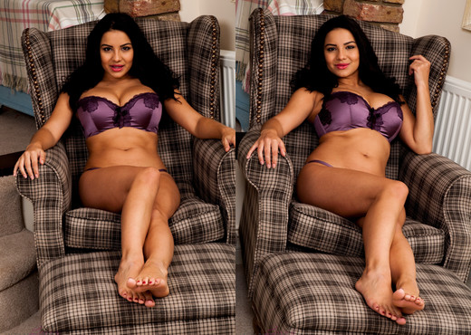 Lacey Banghard - Chair - Solo Nude Pics
