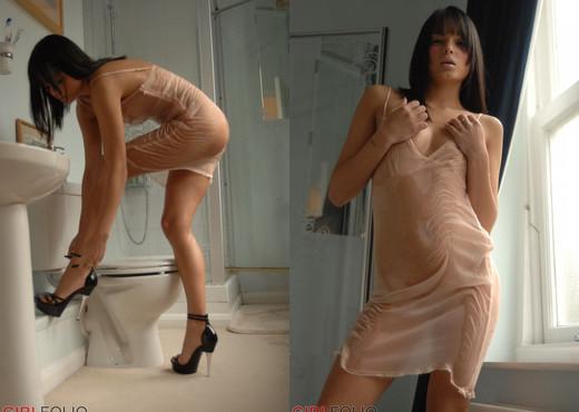 Sasha B - Wetness - Girlfolio - Solo Nude Pics