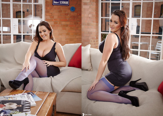 Jodie Gasson - The Perfect Accessory - More Than Nylons - Solo Hot Gallery