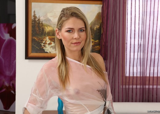 Claudia Macc - Wet and Pissy - Toys Porn Gallery