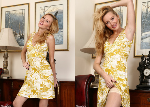 Sophia Smith - Summer Loving - Sophia's Sexy Legwear - Solo Hot Gallery