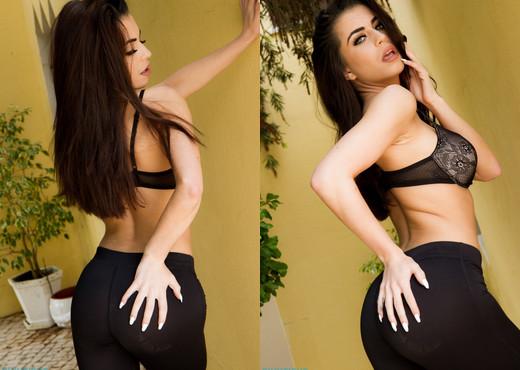 Katie Salmon - Black Yoga - Skin Tight Glamour - Solo Nude Gallery