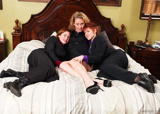 Lily Cade, Jodi Taylor, Daisy Layne - Mother And Me #02 - Lesbian Nude Gallery