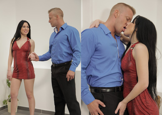 Luna gets bored at work so gives blowjobs instead - Blowjob HD Gallery