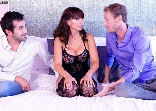 Catalina Cruz first time full sex threesome with 2 studs - Hardcore Sexy Gallery