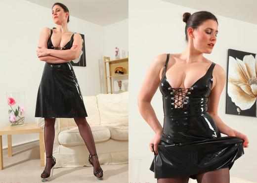 Scarlett Latex - Strictly Glamour - Solo Porn Gallery