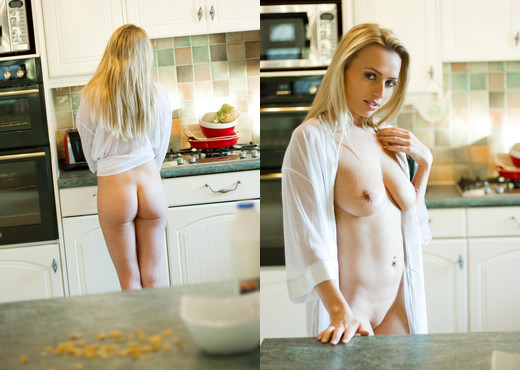 Holly Gibbons - Cornflakes For Breakfast - Hayley's Secrets - Solo Nude Gallery