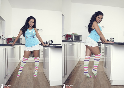 Keira Jones - Candy In The Kitchen - More Than Nylons - Solo TGP