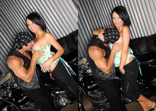 Tommy Gunn & Isis Monroe - SunLustXXX - Hardcore Nude Gallery