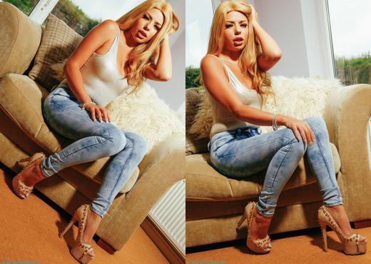 Amelia Louise - Amelia Jeans - Skin Tight Glamour - Solo Nude Pics