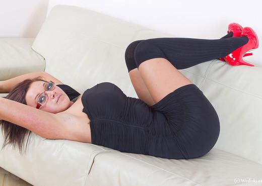 Aneta White - We Doki - Solo Nude Pics