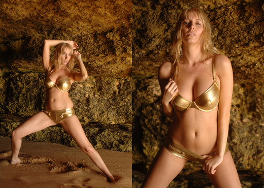 Hayley Coppin - Girlfolio - Solo Sexy Photo Gallery