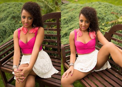 Kayla Louise - Kayla Park Life - Hayley's Secrets - Ebony Nude Pics