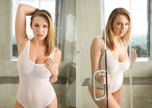 Brooke Wylde - Erotica X - Solo HD Gallery