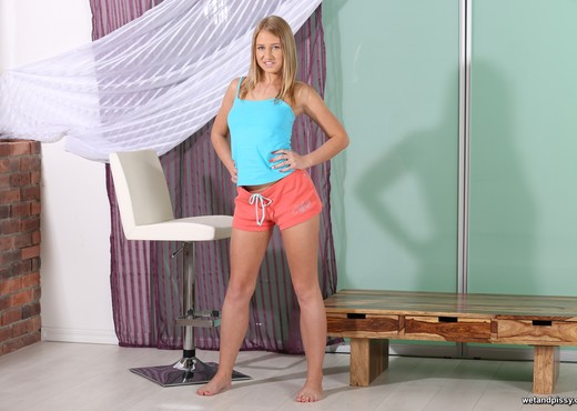 Milana - Wet and Pissy - Toys Hot Gallery