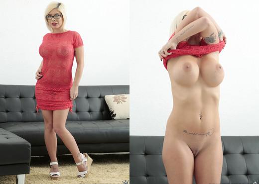 Sara St. Clair - Sexy Sara - MILF Hunter - MILF Nude Gallery
