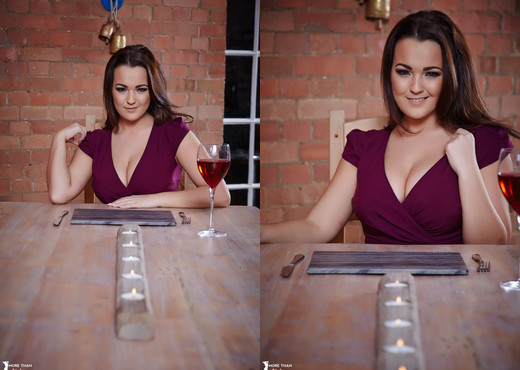 Jodie Gasson - So Whats The Main Course? - More Than Nylons - Solo Image Gallery
