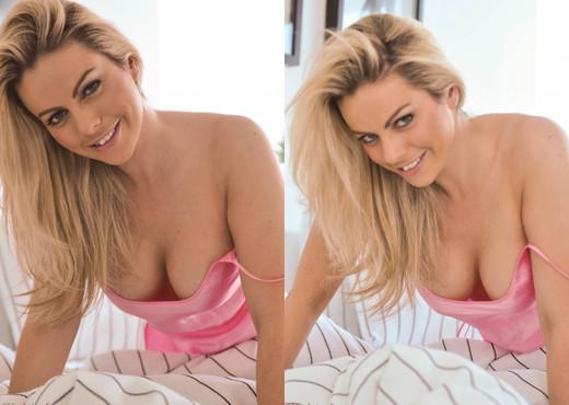 Kate Banks - Kate Bedroom - Hayley's Secrets - Solo HD Gallery