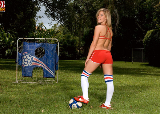 Charlie Lynn - Soccer Slut In Socks - Leg Sex - Feet Nude Gallery