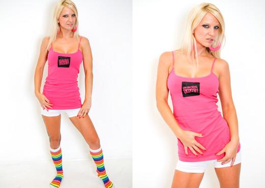 Travis Varjak & Caroline De Jaie - Immoral Live - Pornstars Hot Gallery