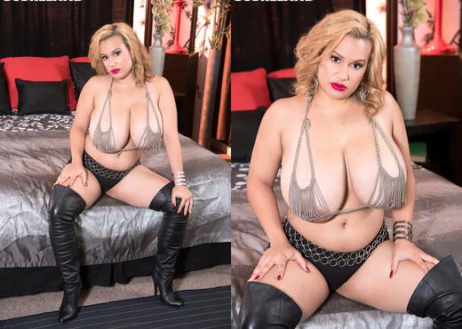 Liza Biggs - Gettin Busy With Miss Biggs - ScoreLand - Boobs Sexy Photo Gallery