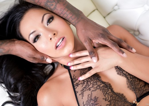 Jon Jon & Morgan Lee - DarkX - Interracial Hot Gallery