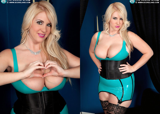 Rockell - Spectacular View All Around - ScoreLand - Boobs Sexy Photo Gallery