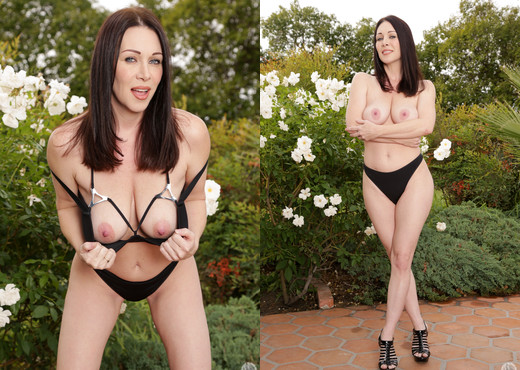 RayVeness & Will Powers - Mommy Blows Best - Blowjob Porn Gallery