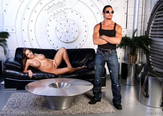 Nika Noir & Tommy Gunn - SunLustXXX - Hardcore Nude Pics