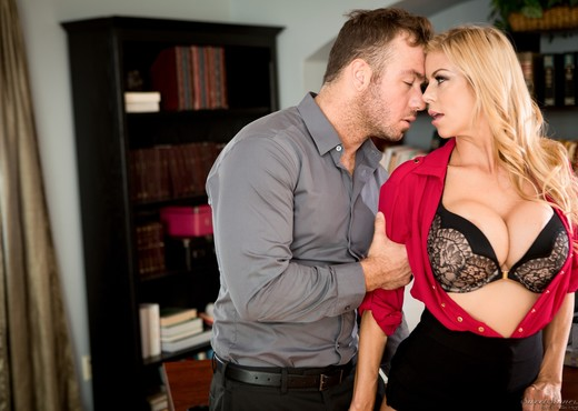Alexis Fawx, Chad White - Becoming The Mistress: Part 1 - Hardcore Nude Gallery