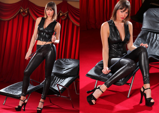 Carol - C Black Leggings - Strictly Glamour - Solo Image Gallery