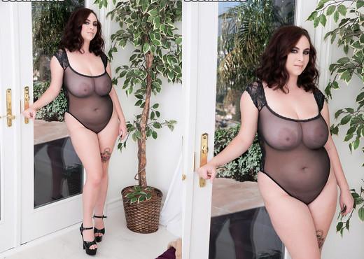 Milly Marks - Hottie Boombalottie - ScoreLand - Boobs Nude Pics