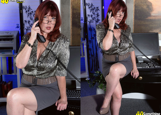 Heather Barron - When Heather Gets Naked, Everybody Wins - MILF Picture Gallery