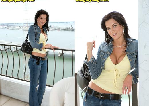 Karina O Reilley - Balcony Boning - Naughty Mag - Amateur Sexy Photo Gallery