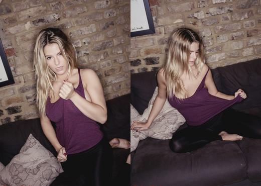 Jess Kingham - Jess's Sofa Tease - Hayley's Secrets - Solo TGP