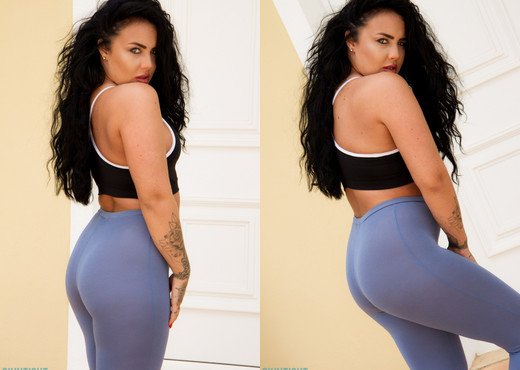 Olivia Paige Blue Leggings - Skin Tight Glamour - Solo Nude Gallery