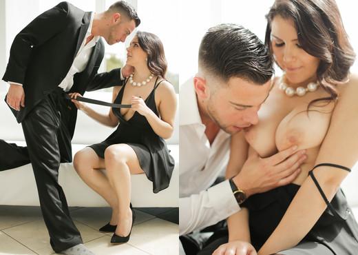 Seth Gamble & Valentina Nappi - Erotica X - Hardcore Sexy Gallery